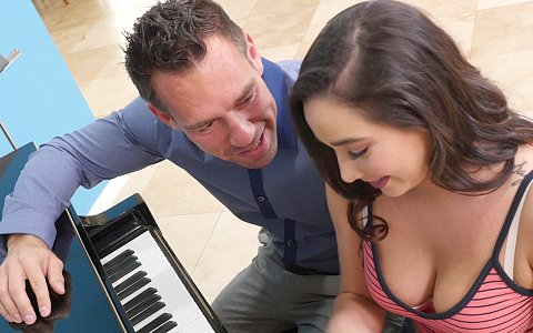Karlee Grey Gives Tittyfucking Good Time To Her Piano Instructor